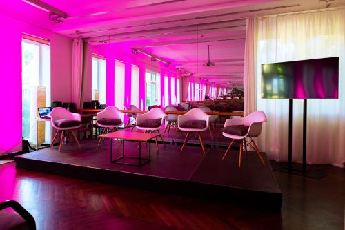 Forbes Women's Summit I MOMKULT